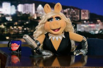 Miss Piggy Gives Her Fans A Unique Chance To Chat One-On-One With The Hottest Star In Show Biz