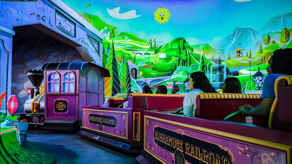 wdw_featured_mickey_minnie_runaway_railway_2_2020_03_03