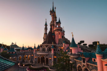 DISNEYLAND PARIS WIN AT THE EUROPEAN STAR AWARDS AND SHORTLISTED FOUR TIMES AT THE PARK WORLD EXCELLENCE AWARDS